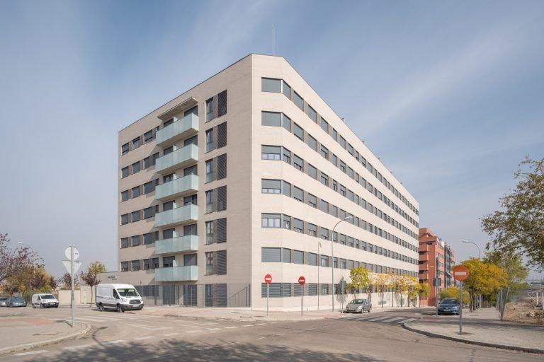 edificio urbanización fotografiado por fotografo de arquitectura en madrid